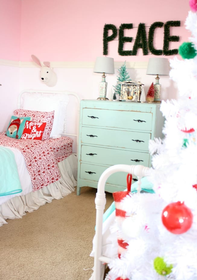 Christmas Bedroom: The Tattered Pew