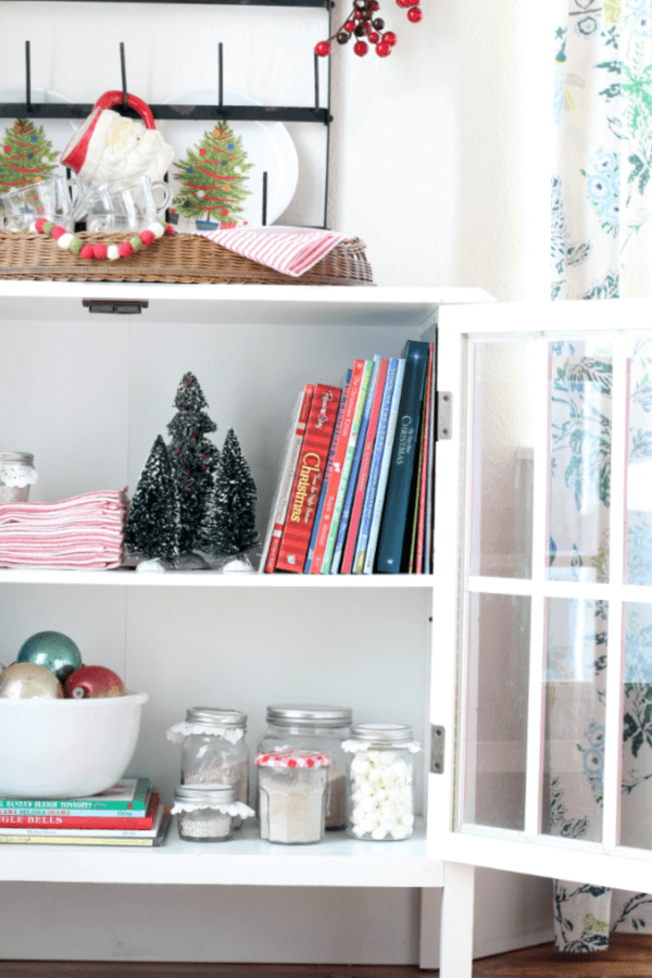 5 Family Friendly Tips for Creating a Hot Cocoa Bar!