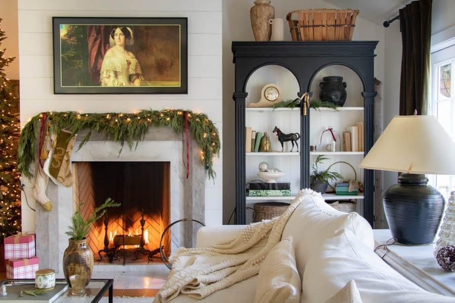 Welcome Home Sunday: European Christmas Home Tour