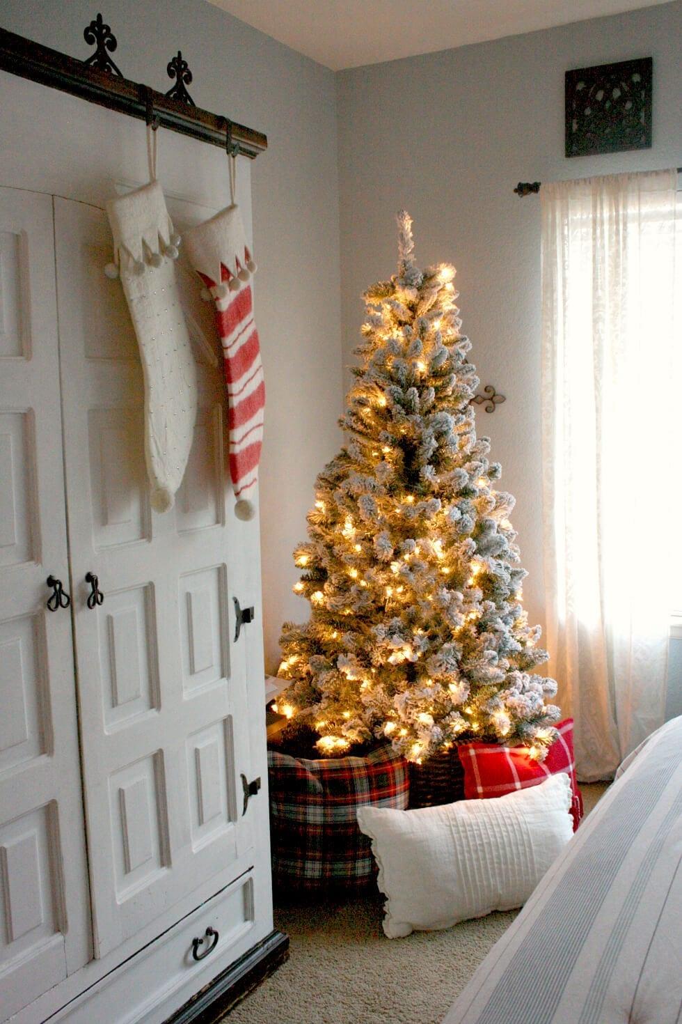 A cozy Christmas bedroom!