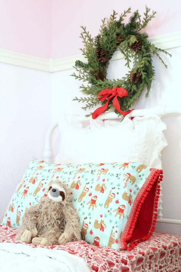 Sloths and DIY Christmas pillowcases!