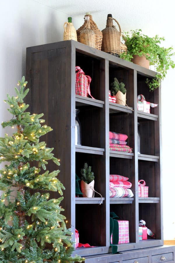 I love mixing old and new decor for Christmas!