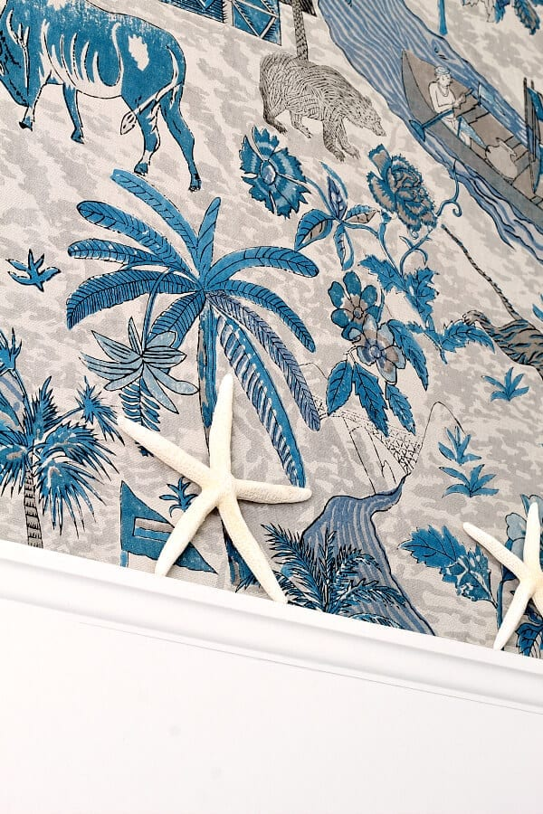 This gorgeous Thibaut wallpaper adds that perfect coastal cottage feel to our newly made over master bedroom!