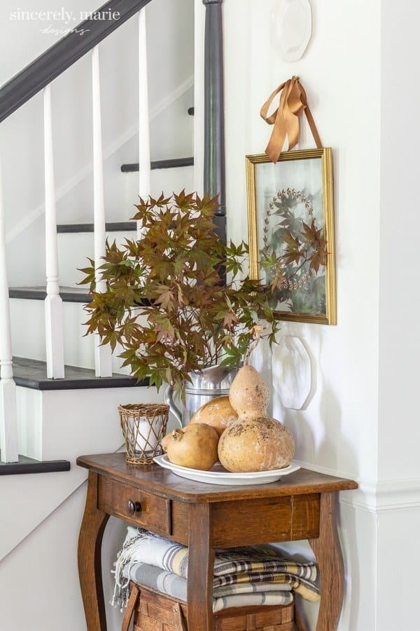 Welcome Home Sunday: DIY Vintage wreath mirror for fall.
