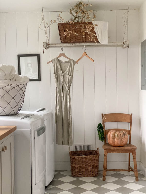 Welcome Home Sunday: Fall Laundry Mudroom