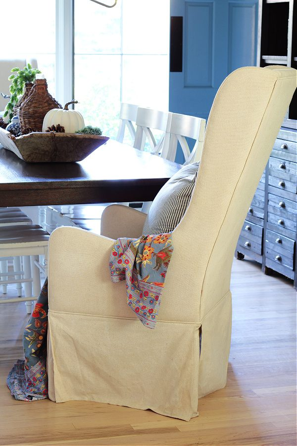 Wingback chairs in the dining room.
