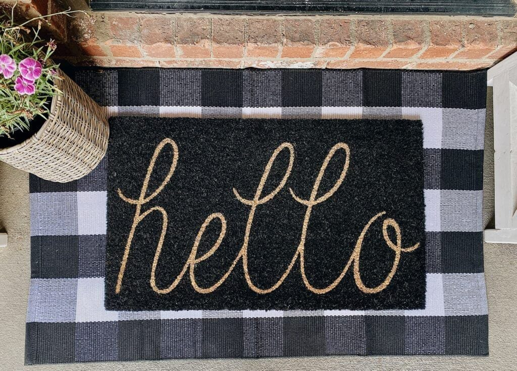Welcome Home Saturday: 12 Summer themed doormats for your home!