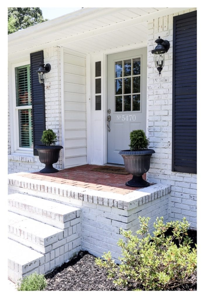 How to DIY a glass farmhouse front door.