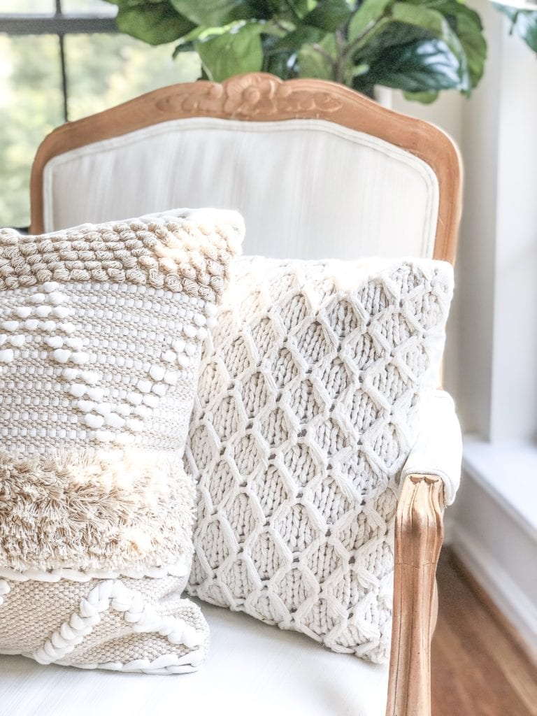 Welcome Home Sunday: How to paint a fabric chair with mineral paint.