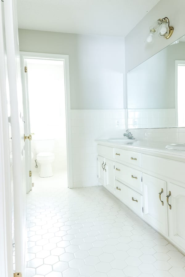 Welcome Home Sunday: How to plan a budget bathroom remodel.