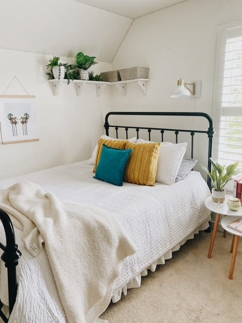 Welcome Home Saturday: Summer Teen Bedroom Update | Welcome Home Saturday by popular Alabama lifestyle blog, She Gave It A Go: image of a teen girl bedroom.