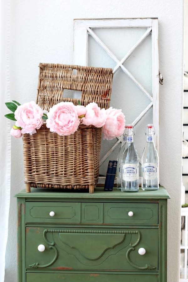 french lemonade, old windows, pink peonies...the perfect Spring vignette.
