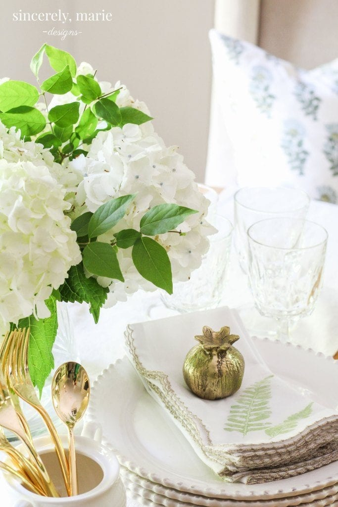 Welcome Home Sunday: DIY pressed fern napkins.