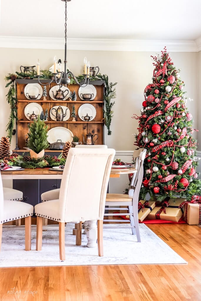 Welcome Home Sunday: Red Tartan Christmas Dining Room