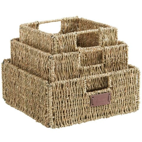 Seagrass storage baskets are perfect for bathroom sotrage and organization!