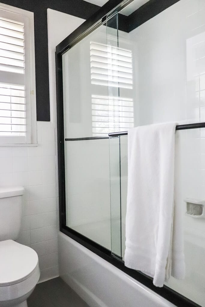 Welcome Home Sunday: How to make old shower doors new again!