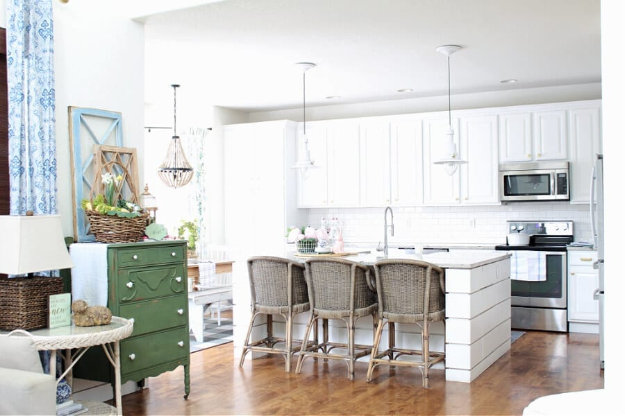 A pretty Spring home tour ...peek into our kitchen!