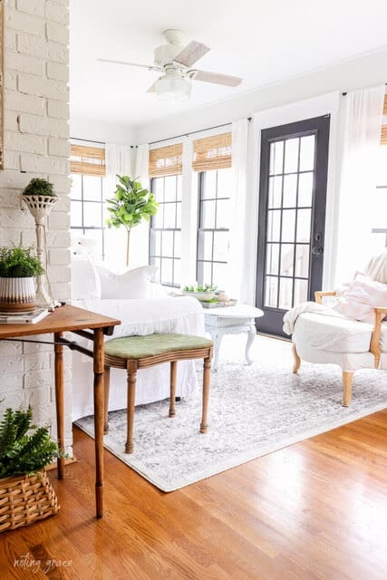 Welcome Home Saturday: Spring in the sunroom