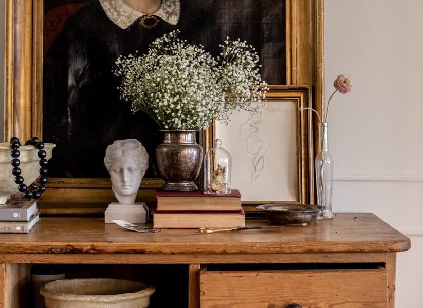 Welcome Home SUnday: Vintage Valentine's Day Vignette