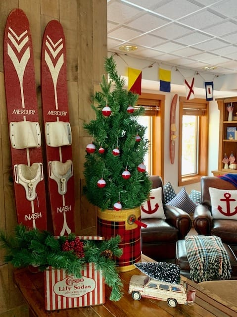 Welcome Home Sunday: Christmas Vignette Ideas