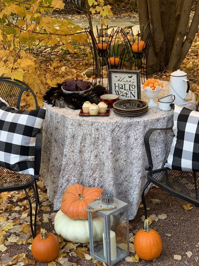 Welcome Home Sunday: Halloween Tables