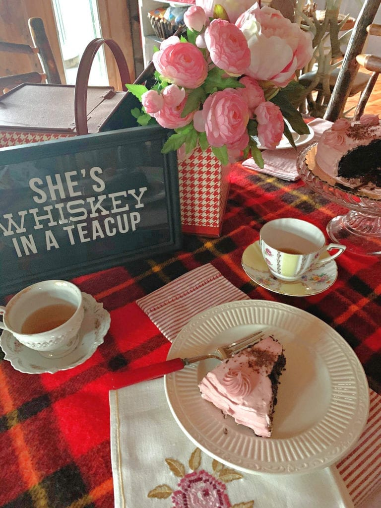 Welcome Home Sunday: Galentine's sips and sweets party!