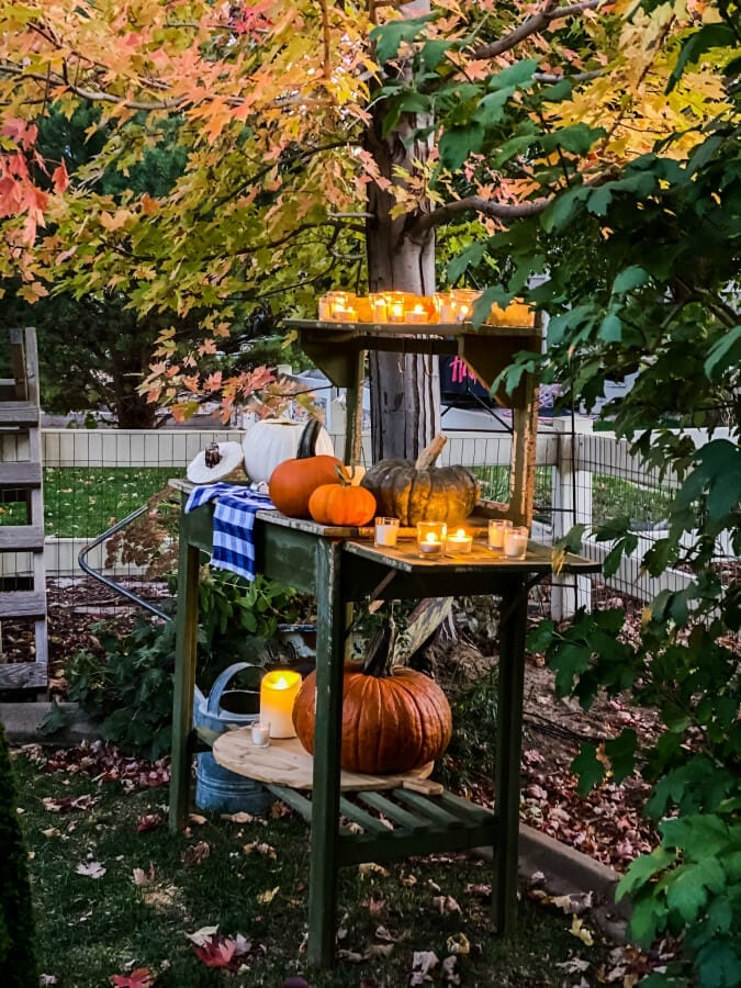 Colorado in the Fall is just gorgeous! Why not set up a fun night in your yard to enjoy it!