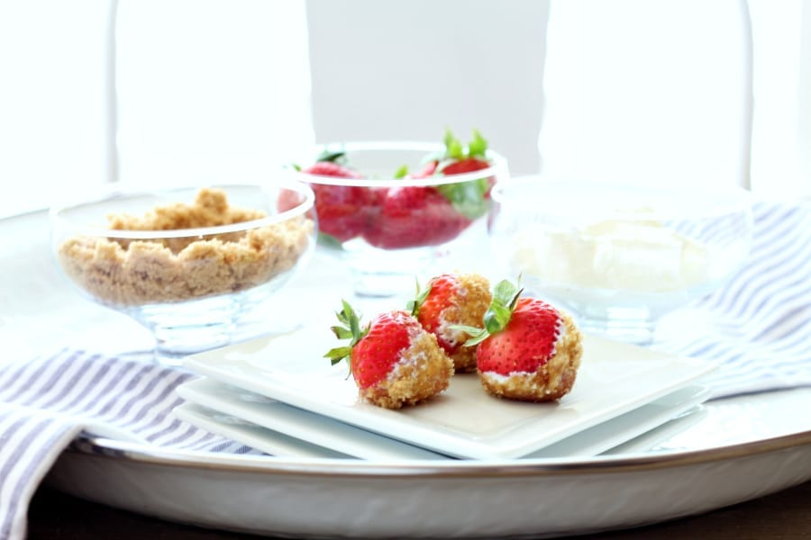 strawberries, sour cream and brown sugar...the best simple snack idea!