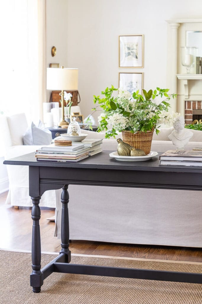 Welcome Home Sunday: A traditional Spring table vignette.