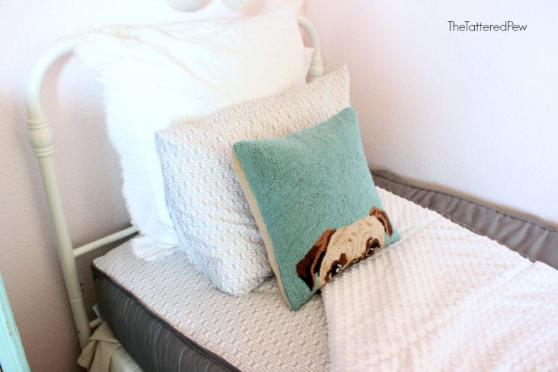 Beddy's bedding has a cozy minky lining. #childrensbedding