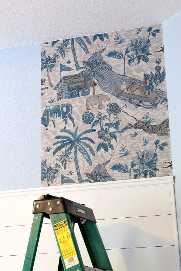A beginners guide to wallpapering...after the first strip it's smooth sailing!