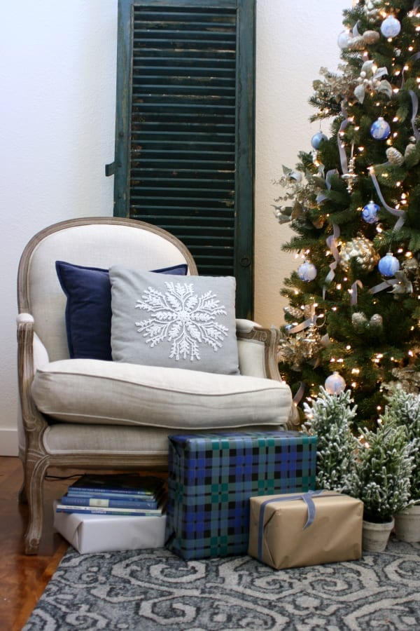 Decorating with blues for Christmas!