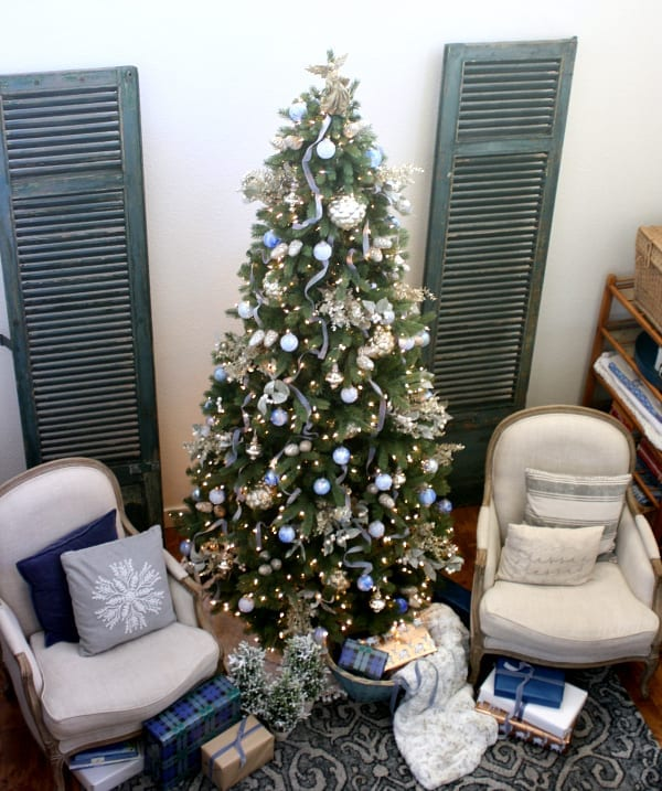 How to use blues when decorating your tree for Christmas.