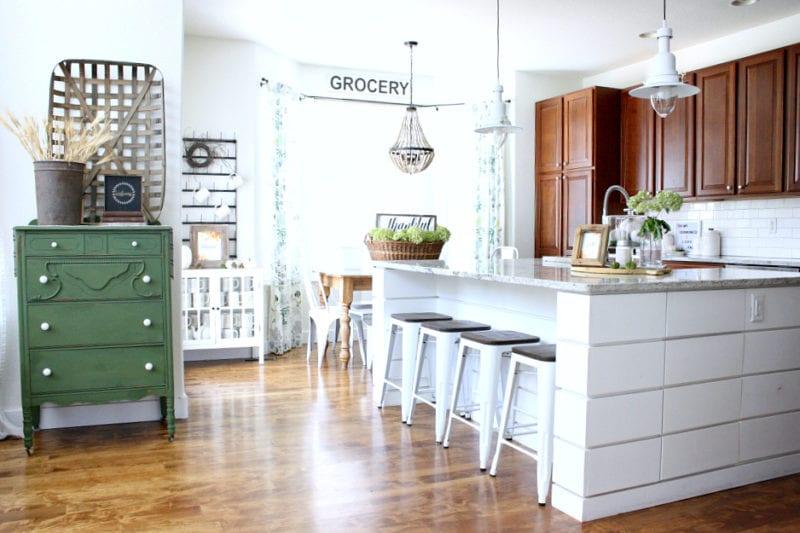 Fall farmhouse kitchen decor and free fall printables!