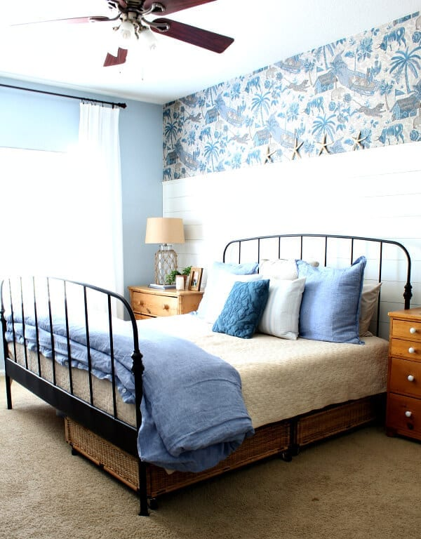 Welcome to our coastal cottage master bedroom makeover!