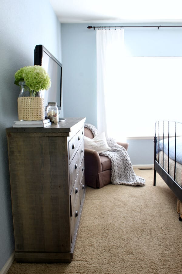 Our coastal cottage mastr bedroom makeover with Wayfair has been just what we were needing to bring some joy into our home!