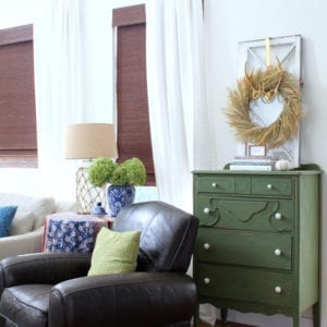 A cozy and collected Fall family room tour.