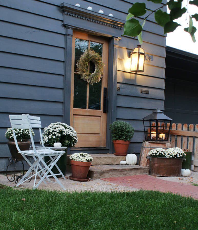 How to decorate your dark house and small stepsfor Fall.
