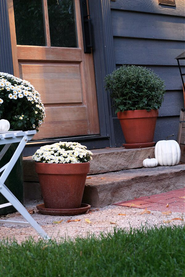 How To Decorate Your Front Steps For Fall