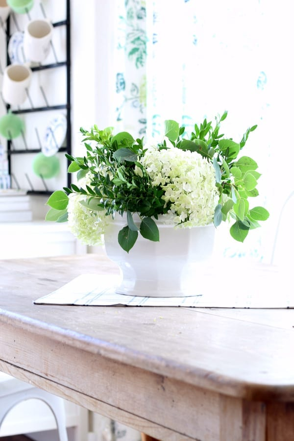 How To Make A Low Hydrangea Centerpiece The Tattered Pew