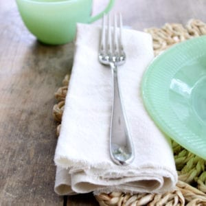 Easy no sew drop cloth napkins that take under 10 minutes to make!