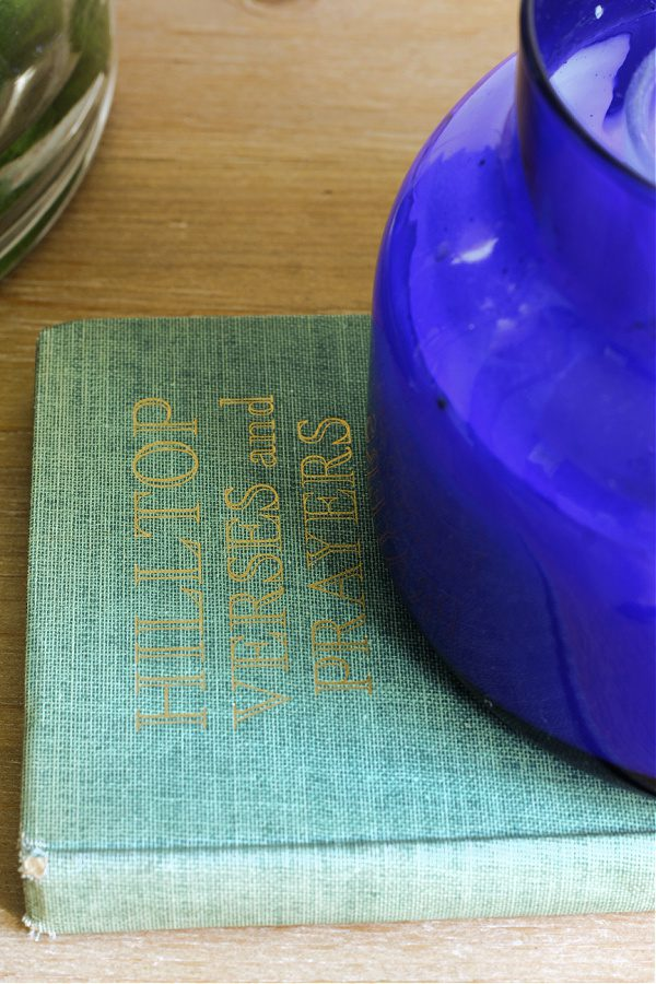 Hilltop Hymns and Verses green vintage book