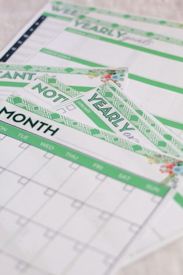 A pretty planner ready to download for free!