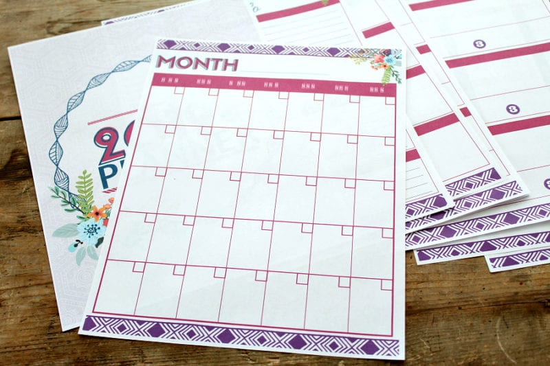 Plan out your year with this free 2019 free printable 2019 calendar. #yearlycalendar #freecalendar #printable