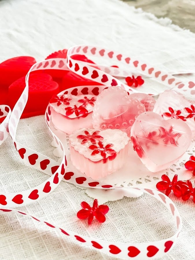 How to make heart shaped soap for Valentine's Day!