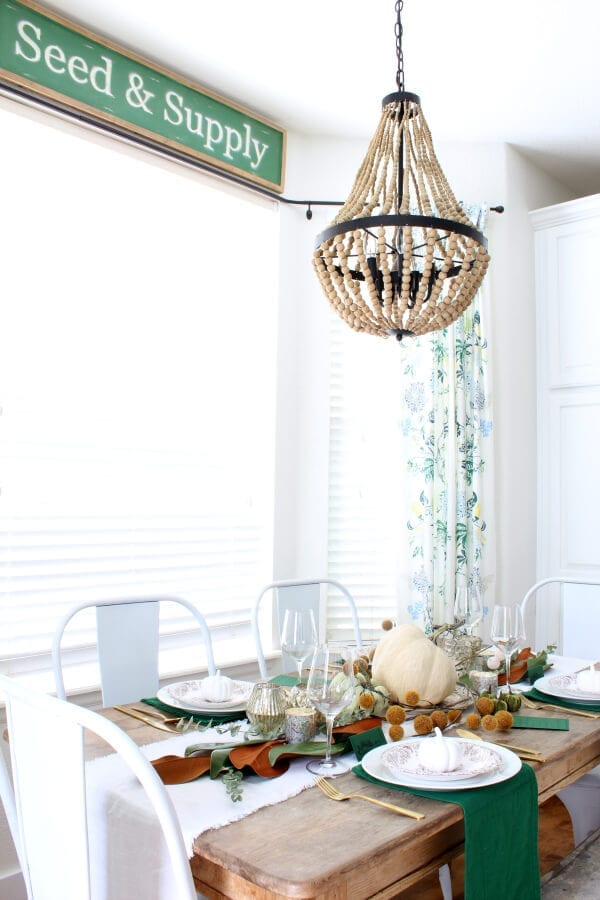 Simple ideas for creating a cozy Thanksgiving table.