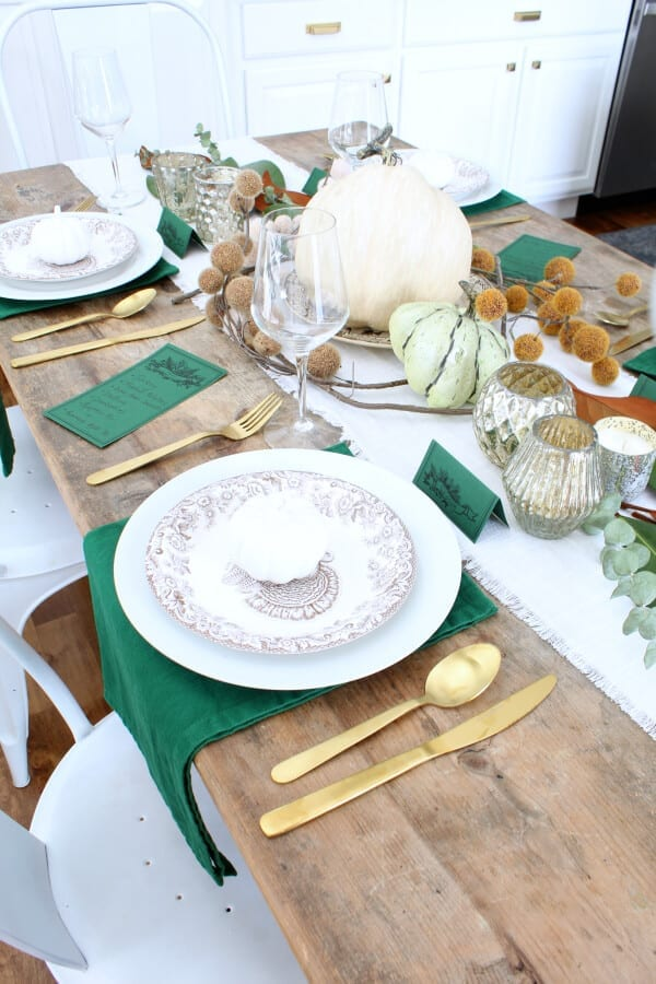 Thanksgiving tablescapes made simple!