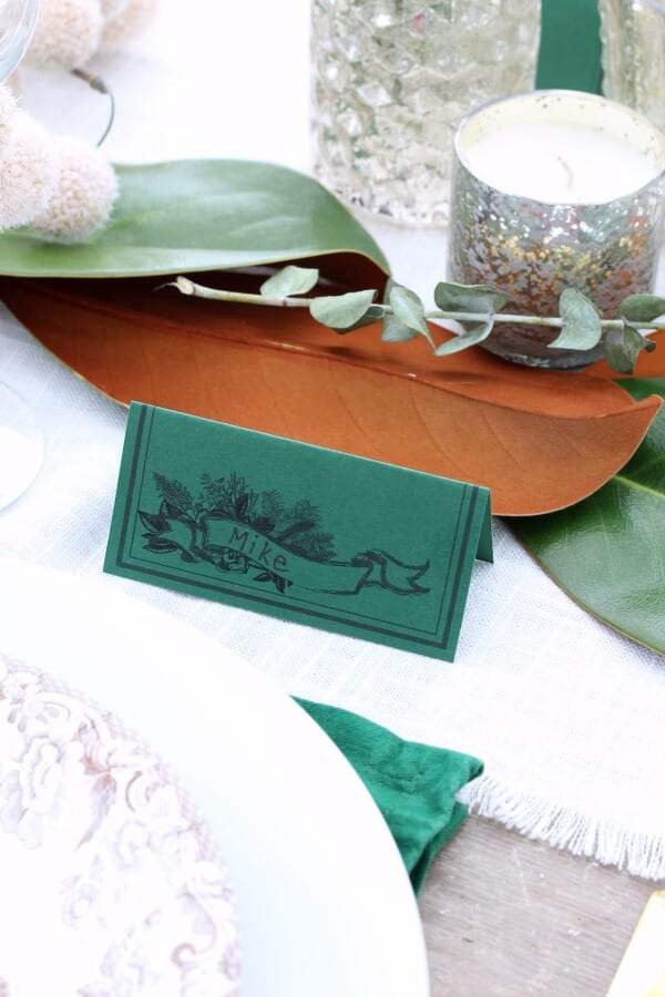A printable place card perfect for Thanksgiving or Christmas!