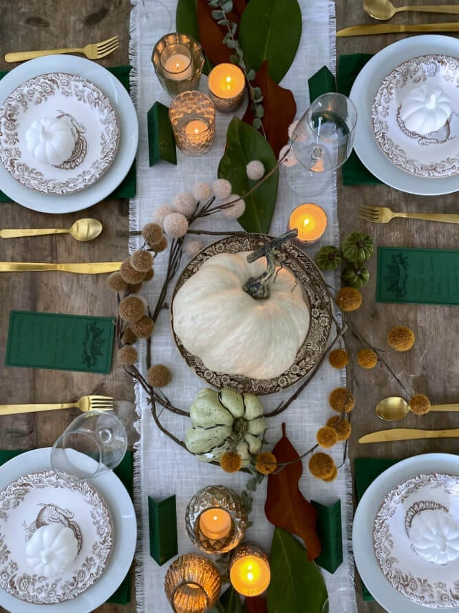 Looking for tips on how to create a cozy and intimate Thanksgiving tablescape? Then this post is for you!