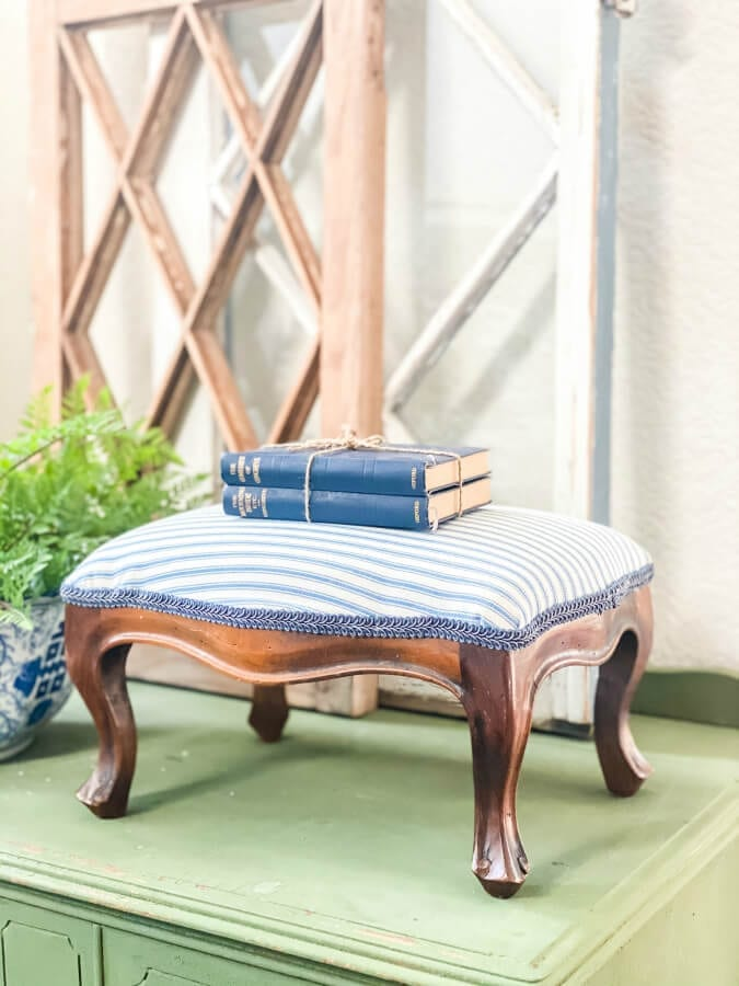 How To Easily Recover An Old Footstool